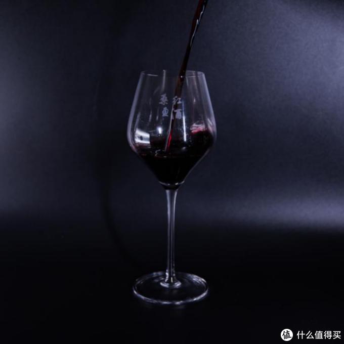 """""""桑盈""""红酒:红酒醒酒是什么意思?怎么正确品红酒?"""