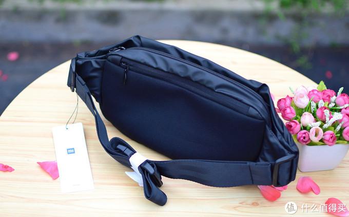 小米多功能胸包:一包多用,运动休闲两不误