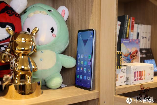 腾讯黑鲨游戏手机3S开卖;消息称华为向联发科下巨额芯片订单