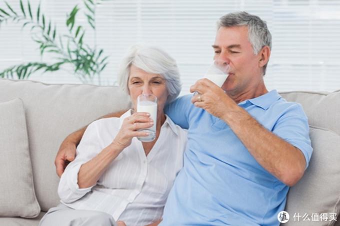雀巢奶粉,针对性营养配方让老人孩子都得益!