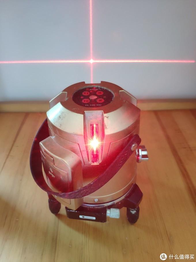 激光水平仪