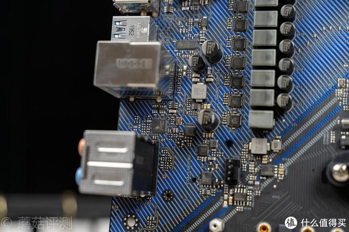 一块性价比超高的B550主板、华擎(ASRock)B550 Extreme4极限玩家主板 评测
