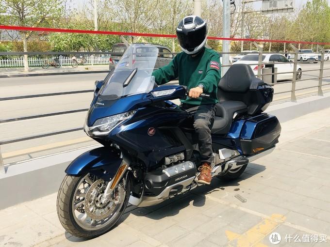 我买了一台落地50万的摩托车 本田金翼1800提车VLOG