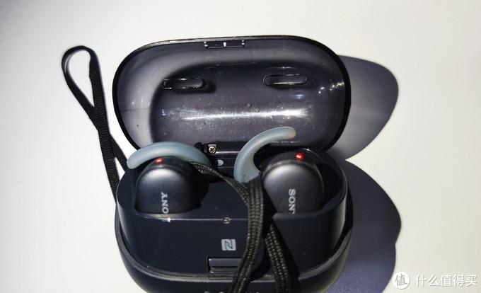"""泳池的孤独有它陪我""""SONY 索尼 WF-SP900"""""""