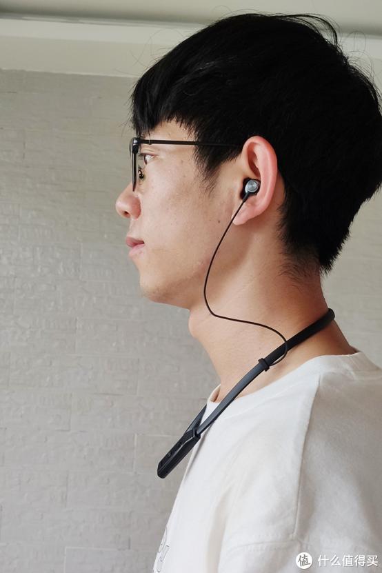 西圣Armor挂颈耳机,以最小的重量为你带来最舒适的音乐盛宴