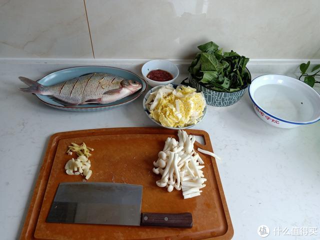 晒晒农村人的午餐,3个菜不到30元,样样光盘,网友:南方人吧?