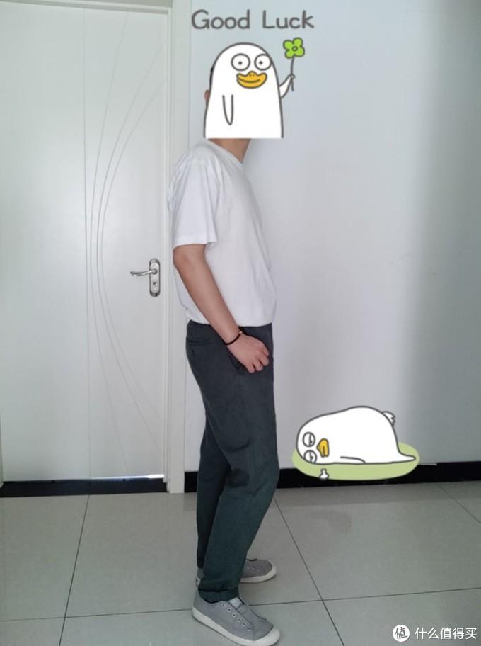 深绿色棉麻休闲裤➕纯白T恤