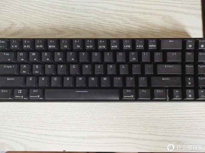 蓝色单色光版本,自己就当个无线键盘用,要啥光,没必要