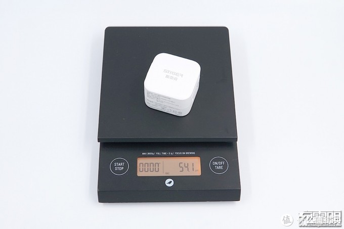四种插脚,认证齐全:斯泰克 20W 充电器评测