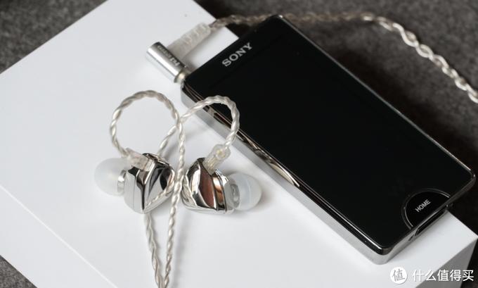 对2020下半年国内市场高音质耳机、配件经典型号的逐一点评