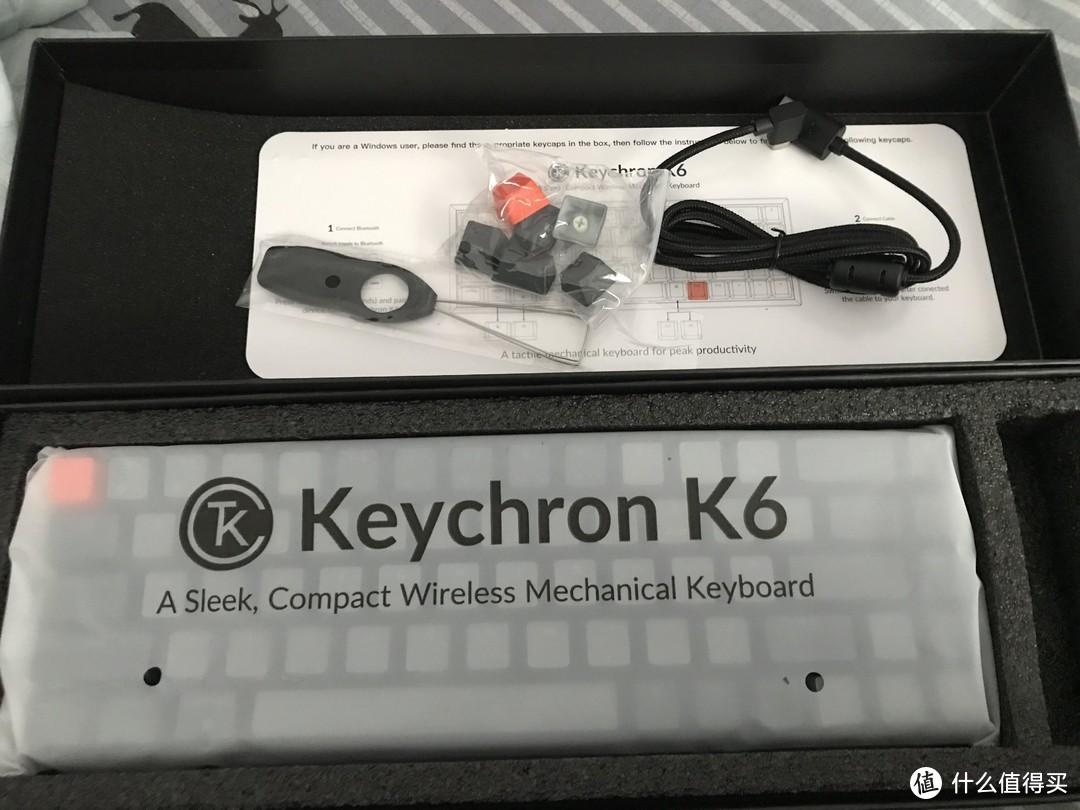 产品主体以及type—c线缆、拔帽器、win款键帽(默认键帽为macOS),包装还是很精致的,符合这价位预期