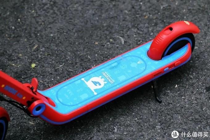 趣味骑行 安全第一 多多的超级飞侠九号电动滑板车