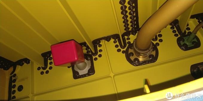 可以和上图比较一下,浮子活门的不同的位置