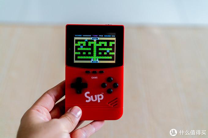 游戏启动时间基本都在1秒以内,少数ROM较大的游戏可能需要2~3秒加载时间,进入游戏后基本不存在卡顿啥的(毕竟用2020年的设备运行1980年代的程序,杀鸡用牛刀是也~)