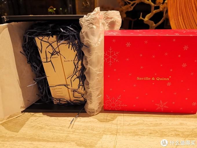 打开外包装里面的两盒就是参与众测的产品了