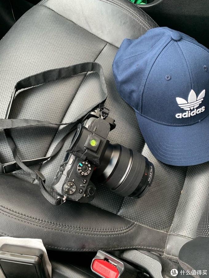 得力于大法的无反设计,小巧的机身+85mm镜头,一点都不大,爱上大法的主要原因,哈哈哈哈!真香