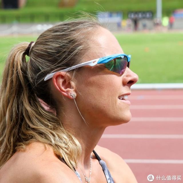 被嘲笑是装备党?跑步时该不该戴运动眼镜?