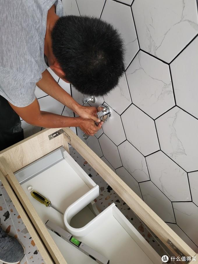 超窄浴室柜+kvk水龙头安装过程全记录
