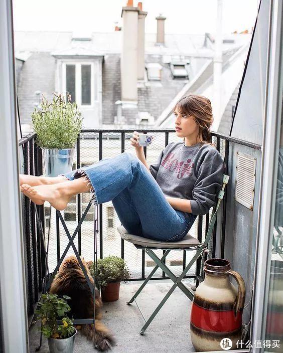 出道8年,为何她还是法式优雅第一人?