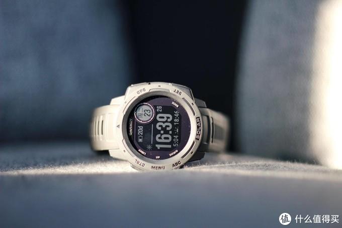 3000买块单色屏智能手表?网友直呼专业 - 佳明本能Instinct Solar评测报告