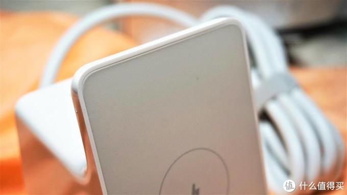 米家好物----给你一个整洁桌面,小米立式无线充电插座体验