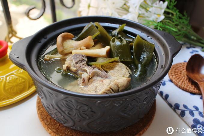 秋季干燥,多给家人煲汤喝,这3种食材煮一锅,汤鲜味美补充钙质