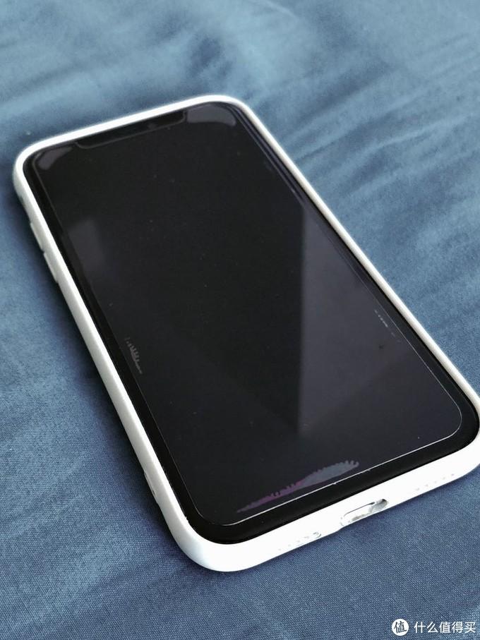 主力机是iPhone 11,白色128g,去年11月购于拼夕夕的百亿补贴活动,大概花了五千多块钱的样子,还是非常划算的。使用下来的体验很好,中间屏幕摔碎过一次,换了一次屏幕,我选择电子设备的宗旨一直都是高性能,稳定可靠,简单便携,倒也不是果粉,但iPhone在我眼里一直都带有这方面的基因