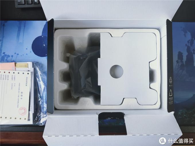 对比XT1,XH1的包装好简陋,真对不起曾经上万的售价。