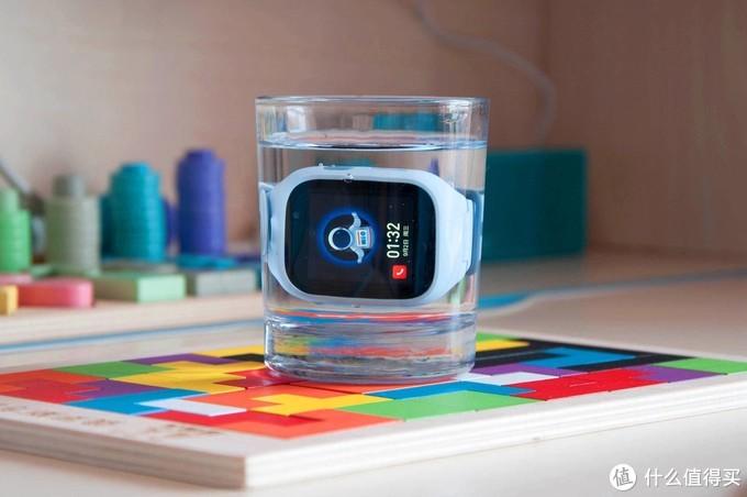 小米上新:米兔电话手表4X,高清双摄全网通支持AI识别还能学英语