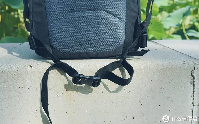 能装三脚架和相机的包就是好包-deuter多特UP斯德哥尔摩