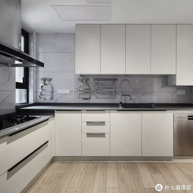 别被效果图骗了,最适合中国人的厨房设计是这样的