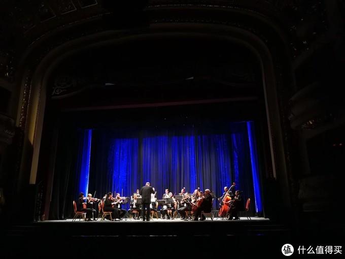 亚历山大歌剧院