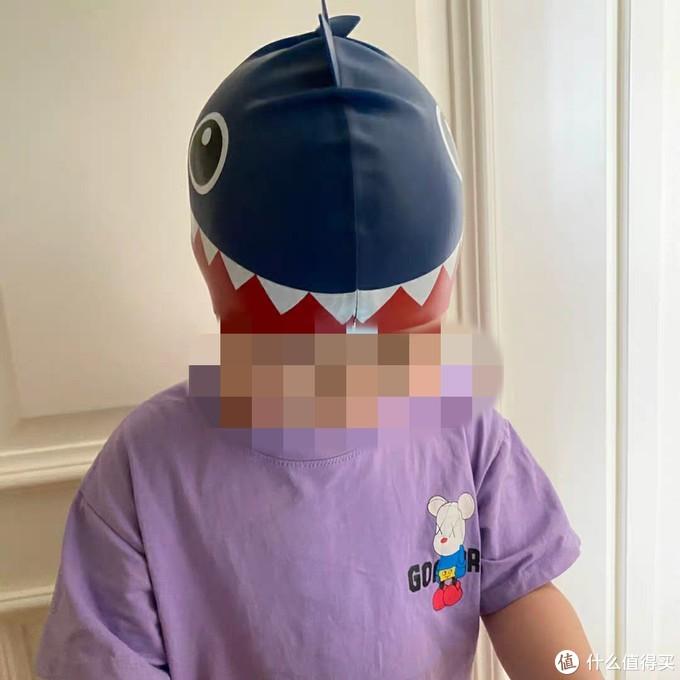 给孩子准备游泳装备?!小心鲨鱼出没!