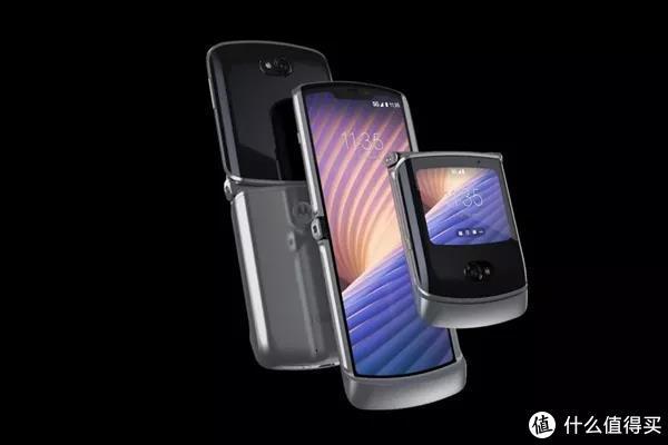抢先预览:Motorola Razr 5G折叠屏手机真机亮相