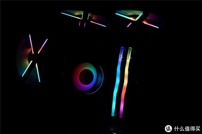 高颜值,高频率,十铨DELTA RGB内存分享,原来内存价格一直在走低!