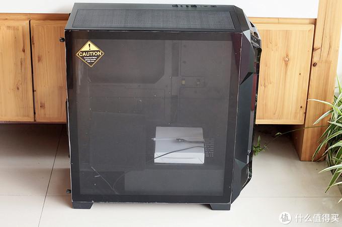 """安钛克DF600 FLUX机箱:FLUX平台第一款机箱,为全民电竞""""降温"""""""