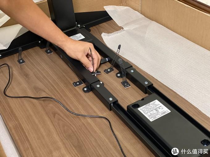 8大类物品,精心布置1.4米桌面,打造我的个人娱乐游戏专用区