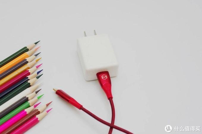 高颜硬核:会断电,也会补电的麦多多苹果智能线!