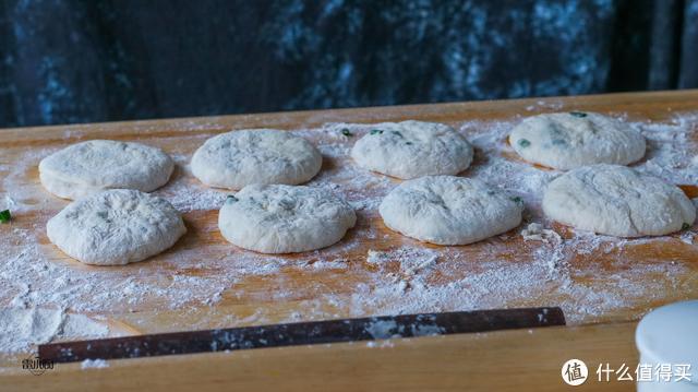 懒人早餐饼,不用揉面,筷子搅一搅,做出来的饼比面包还松软