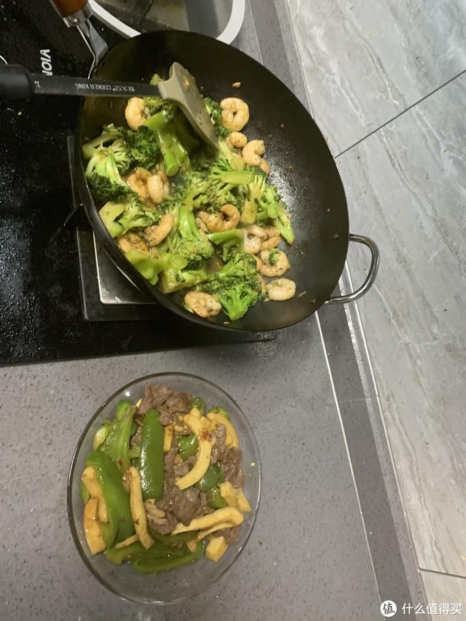 炒菜的确比不粘锅好点,有锅气