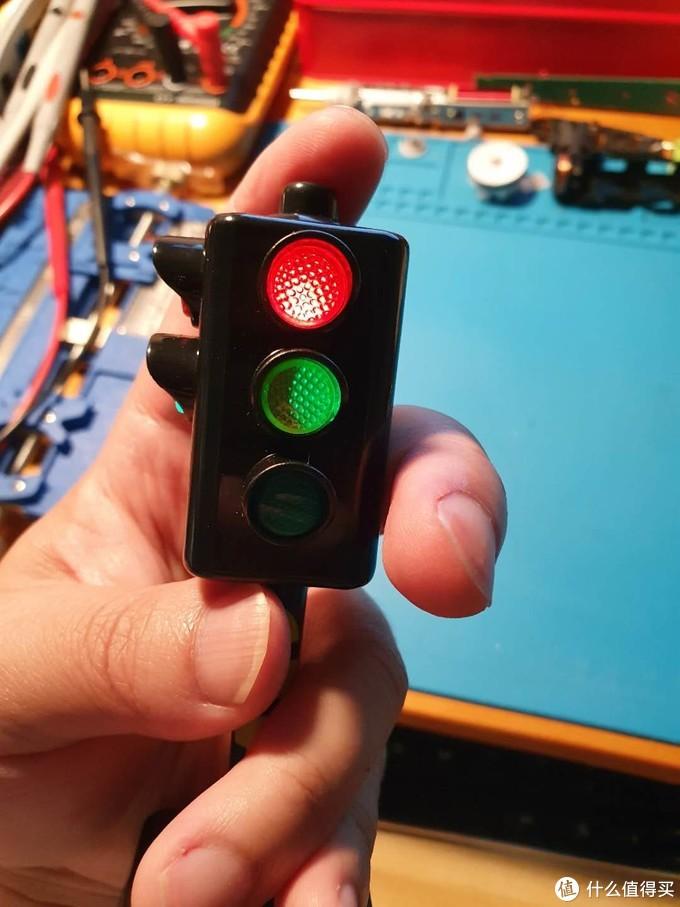 拼夕夕的爆款红绿灯如何?盘它!