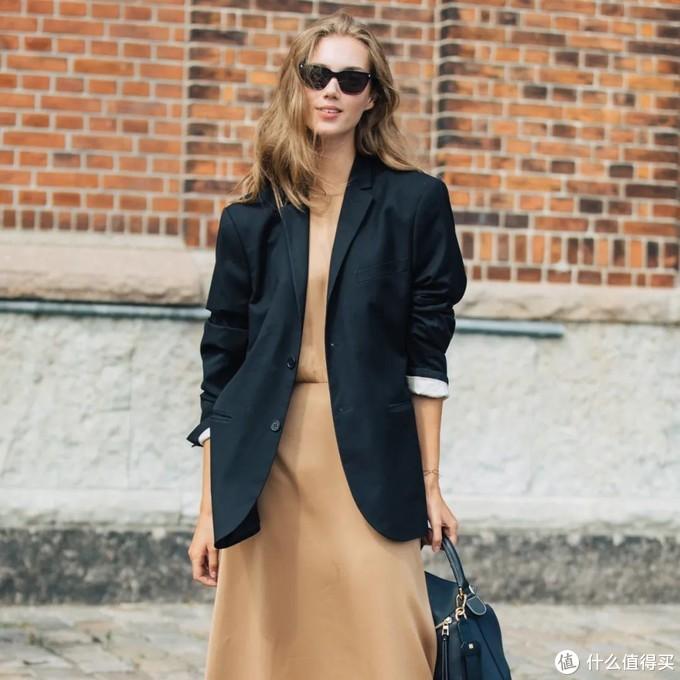 穿搭教室 | 夏天的裙裙不要急着收,3种方法让你一路穿到秋!