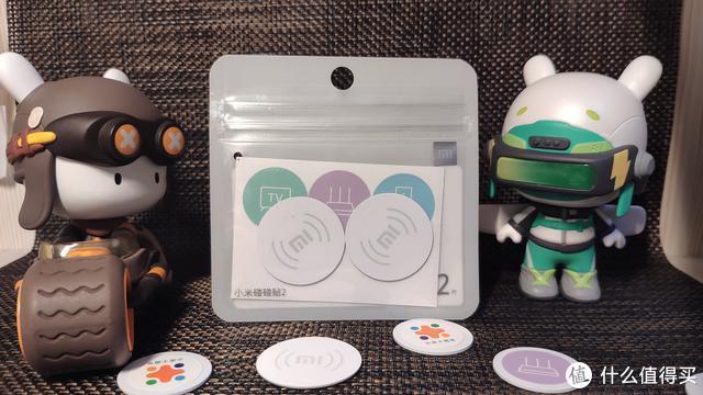 小米碰碰贴2和某宝7毛钱NFC钱币卡应该选哪个?