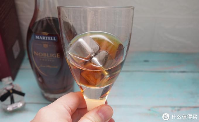 果香的暗金铜色酒:马爹利名士VSOP+级干邑白兰地