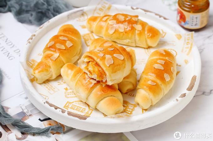 做面包时加入这酱料,咸甜适中越嚼越香,孩子一口气吃了好几个!