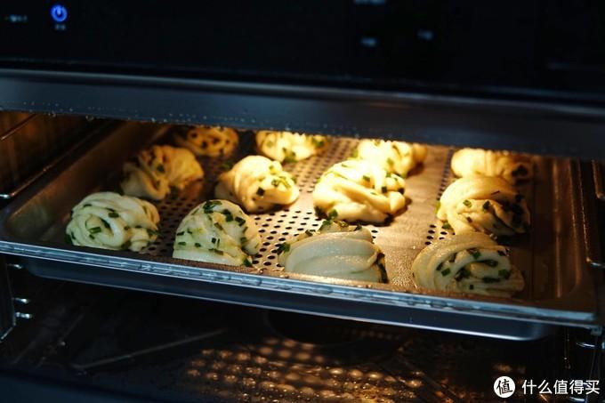 只需一台蒸烤箱,一桌美味轻松搞定:凯度GD蒸烤箱使用测评