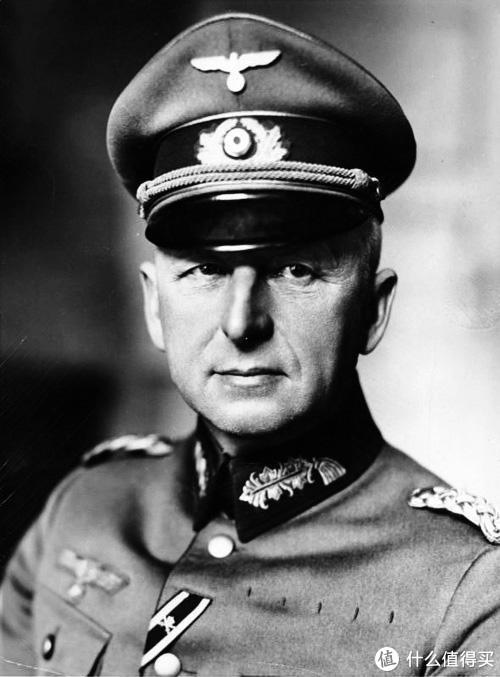 埃里希•冯•曼施坦因(Erich von Manstein)(1887-1973),纳粹德国陆军元帅。除了广为人知的战争中的军事成就,曼施坦因在战前德军的军备建设中也建树颇多,曾任德军总参谋部军需部长。