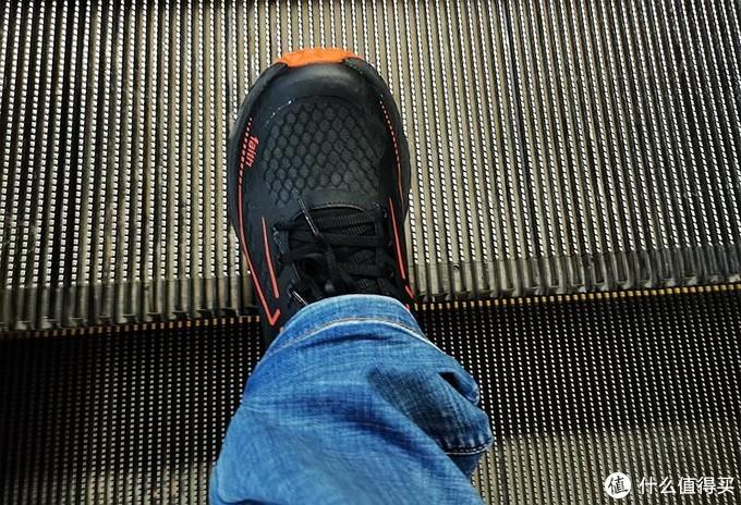 R2 REAL RUN Faith跑鞋评测:轻便跑鞋值得拥有