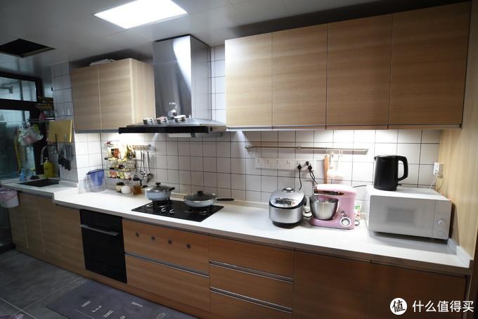 我自己家目前的厨房,也是老妈老爸使用得比较多,他们习惯了大厨房。