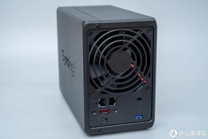 仅9瓦功耗,家用完美的NAS:群晖DS720+ 开箱体验,打造低功耗高性能家庭影音NAS!